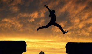 slider_springende_frau